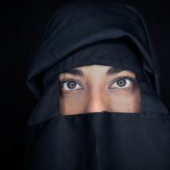 #+1+Burqa+Boutique+-+Veenu+Sandhu_+Burqa+Boutique_David+Markewi